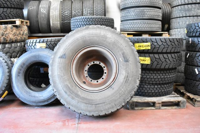 grifo gomme sostituzione pneumatici autocarri